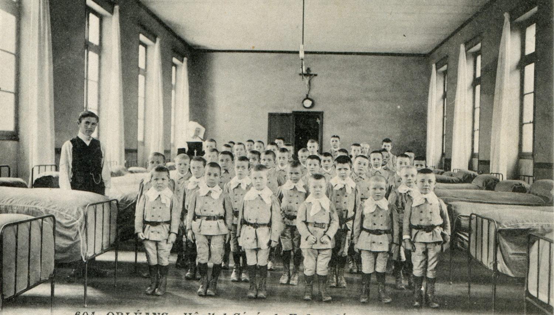 Hôpital Général : Le dortoir des grandets âgés de 6 à 13 ans