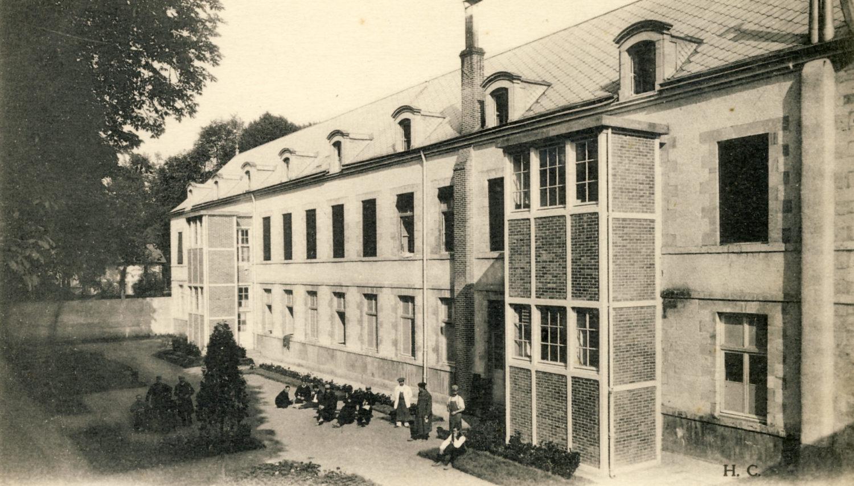 Façade sud du Pavillon Sabatier démoli en 1981/dénommée également 7ème division.