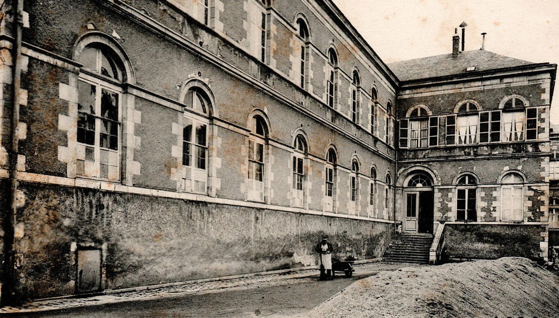 Chemin de ronde du Quartier des aliénés transféré en 1913 à Fleury les Aubrais