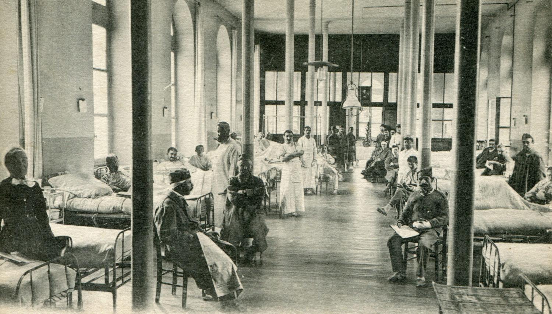 Hôtel-Dieu : Salle Saint-Paul/Chirurgie-militaires/Radiothérapie de 1957 à 1975 puis médecine Interne3