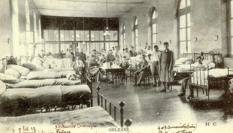 Hôpital Mixte : Salle Saint-Laurent/Chirurgie militaire/Médecin chef : Dr Ricard