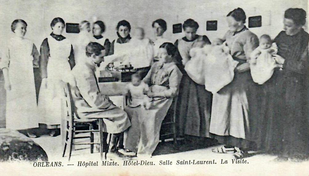 Hôpital Mixte : Le Dr Joseph Deshayes, chirurgien des enfants/en consultations, Salle St Laurent