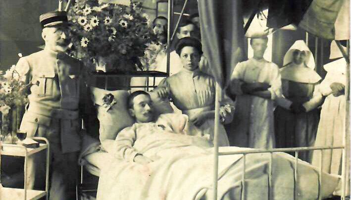 Hôpital Mixte : Remise décoration de la médaille militaire/Salle Saint-Lazare 1916